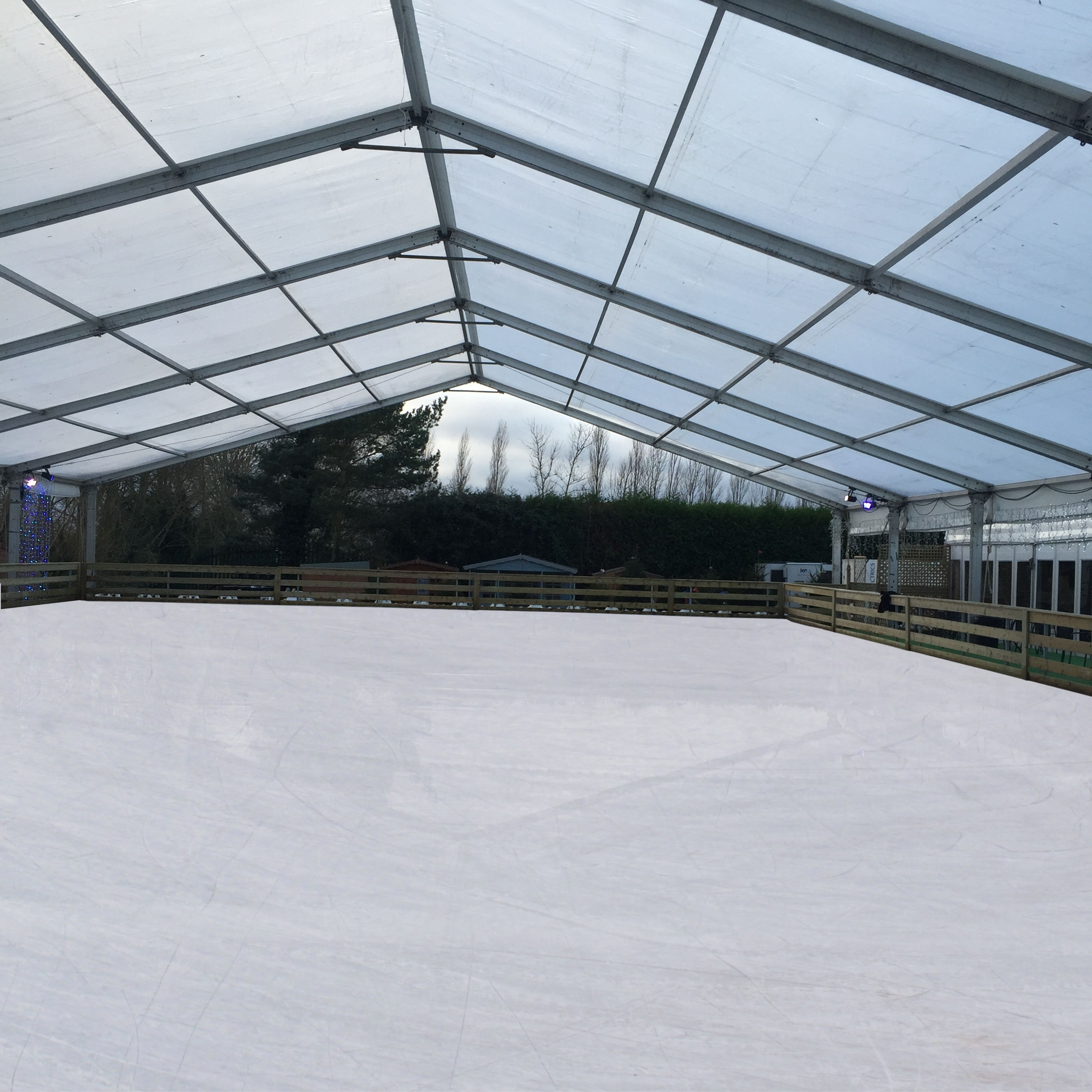 Woburn Sands Ice Rink